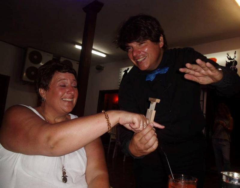 Magician Olivier Klinkenberg OK MAGICS with interactive close-up magic trick with spectator Tenerife Spain July 2015
